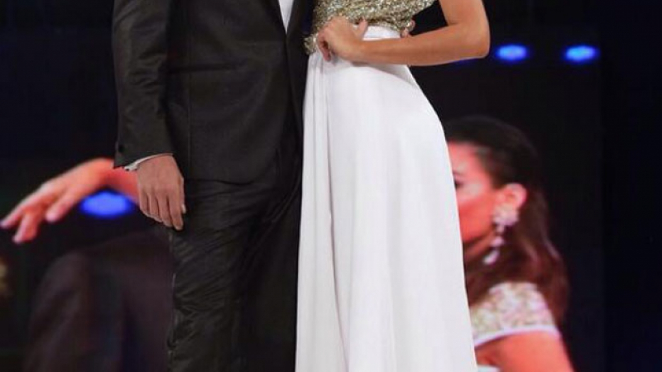 Karina Jelinek desfiló vestida de novia con Guido Francardi (Foto: Twitter)