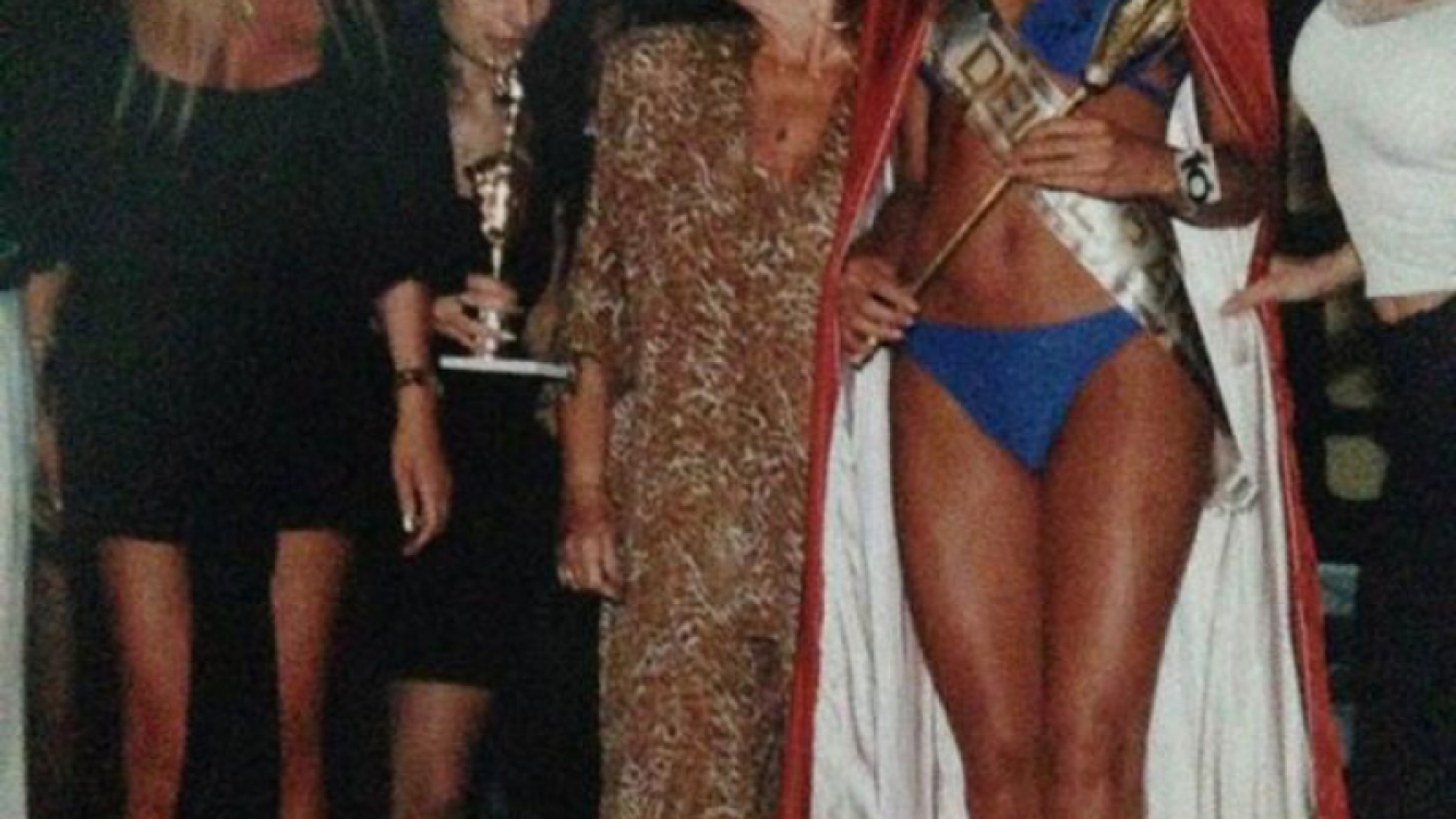 Coki Ramírez fue coronada por Silvia Süller allá lejos y hace tiempo (Foto: Twitter).