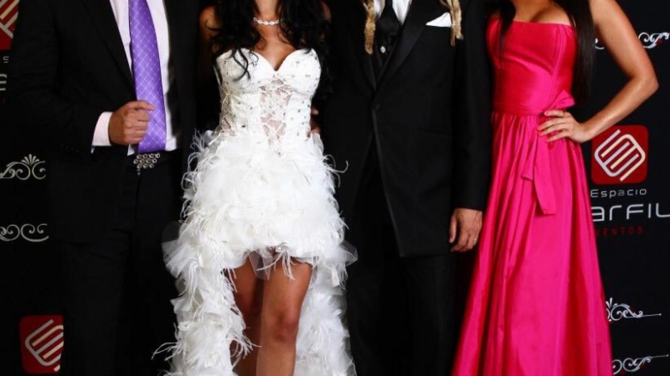 Matías Alé y Sabrina Ravelli, invitados al casamiento de Gastón Bernardou, percusionista de Los Auténticos Decadentes. (Foto: @angeldebritook)