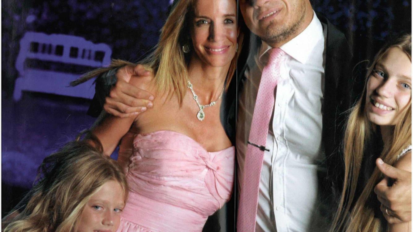 Guillermo Andino y Carolina Prat renovaron sus votos matrimoniales. (Foto: revista Caras)