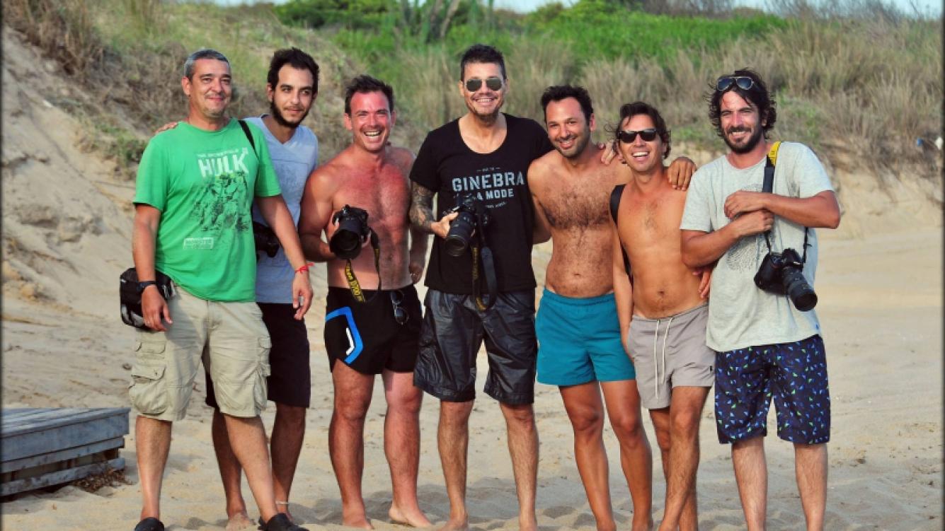 Tinelli y los paparazzi, juntos para la foto. (Foto: @federomerofoto)