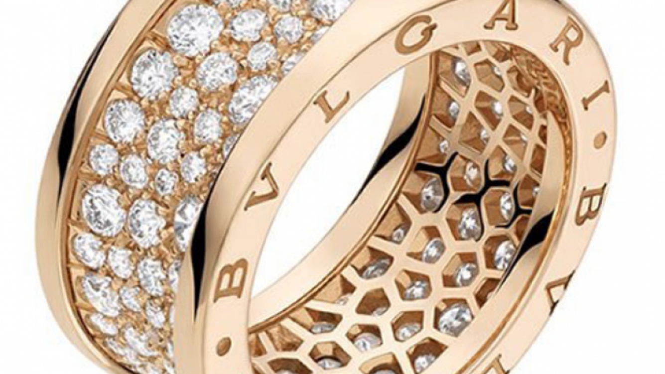 El anillo Bulgari que Mauro Icardi le regaló a Wanda Nara. (Fotos: Web)