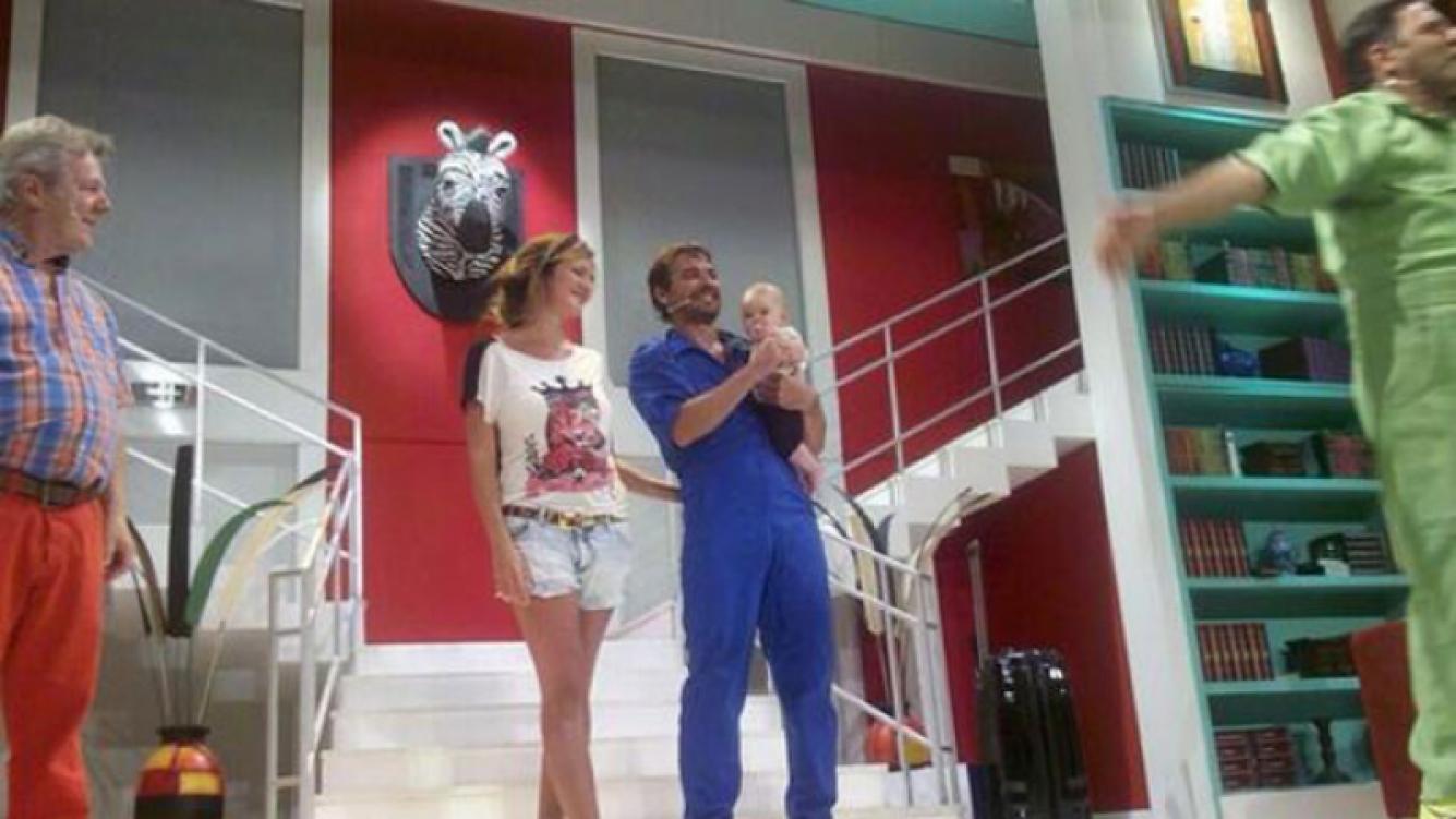 Pedro Alfonso, emocionado por la visita de Paula Chaves y Olivia (Foto:Twitter).