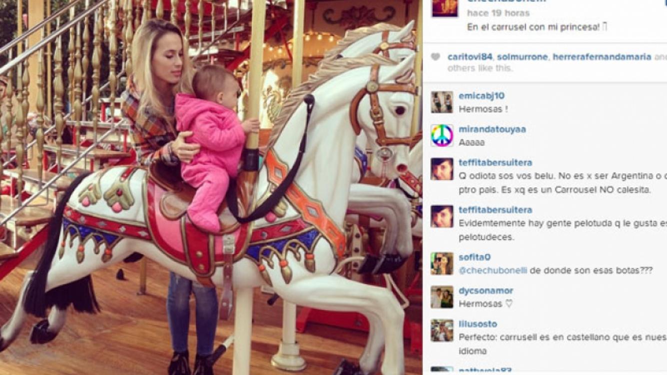 Chechu Bonelli y una imagen súper tierna junto a Lupe en la calesita (Foto: Instagram).