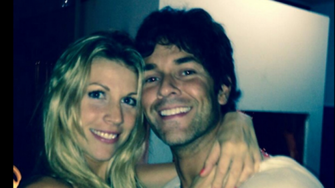 Mariano Martínez junto a su mujer Juliana. (Twitter)
