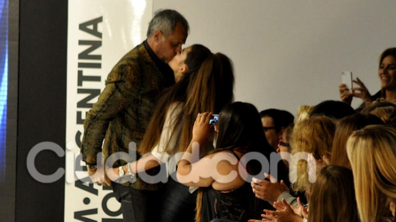 Jorge Rial, sus hijas, Rocío y Morena, y Loly Antoniale. (Foto: Jennifer Rubio - Ciudad.com)