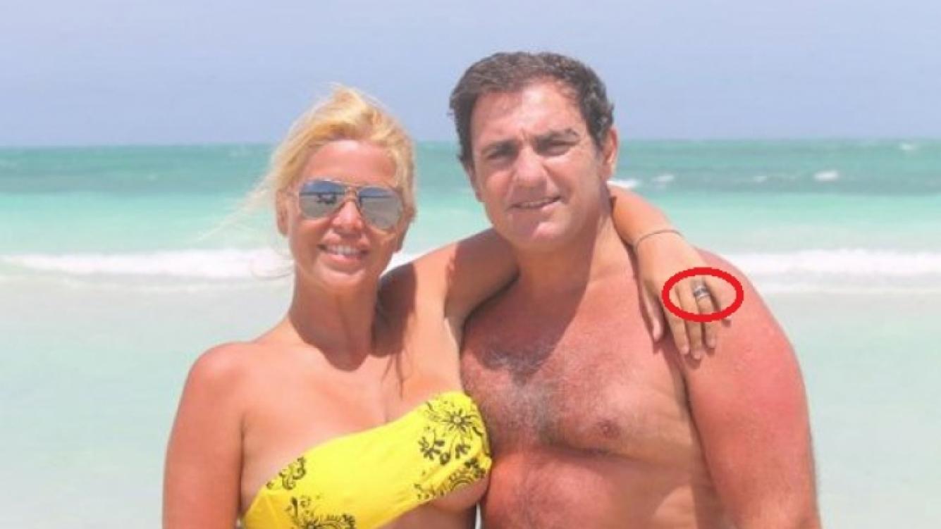 Nazarena Vélez, con su anillo de casada junto a Fabián Rodríguez, en la playa. Eran días de felicidad en la pareja. (Foto: archivo Web)