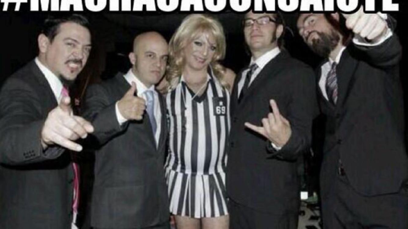 """Cristian Castro: primero la """"tanga loca"""" y ahora se vistió de porrista. (@Genitallicamx)"""