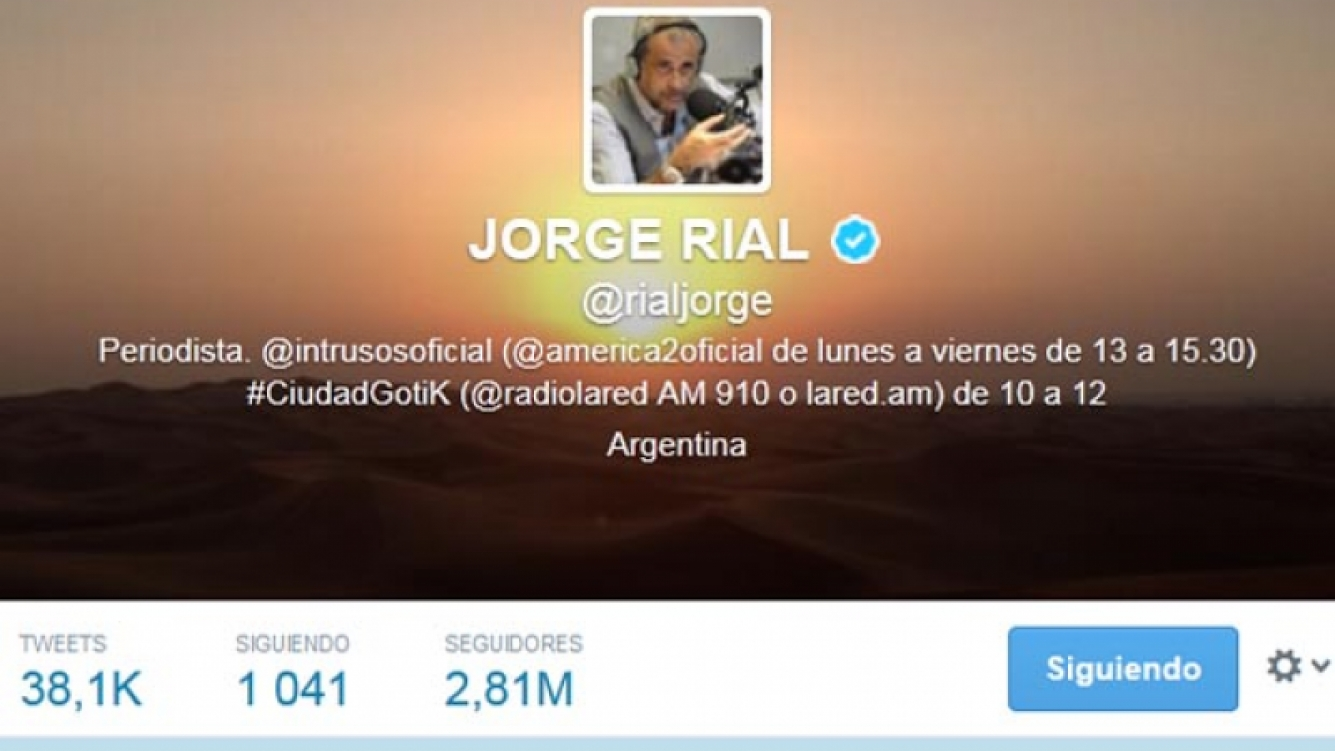 Jorge Rial cambió su avatar de Twitter: sacó la foto familiar con Loly y puso un amanecer.