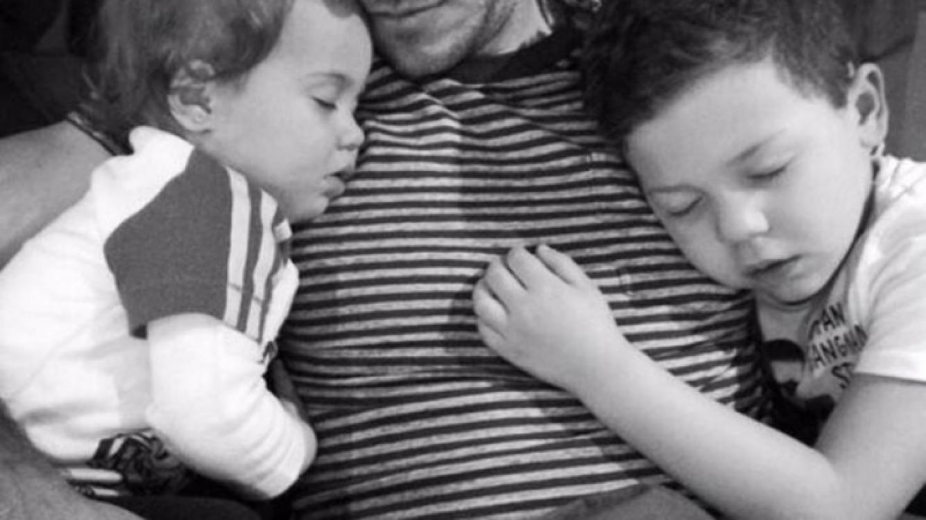 Eva publicó una tierna imagen de Martín con sus pequeños (Foto: Twitter).