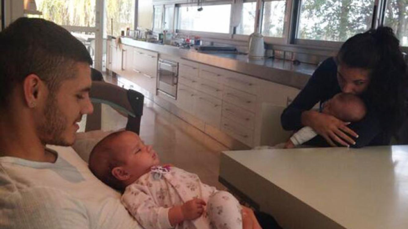 Wanda publicó una imagen de Mauro con uno de sus hermanitos (Foto: Twitter).