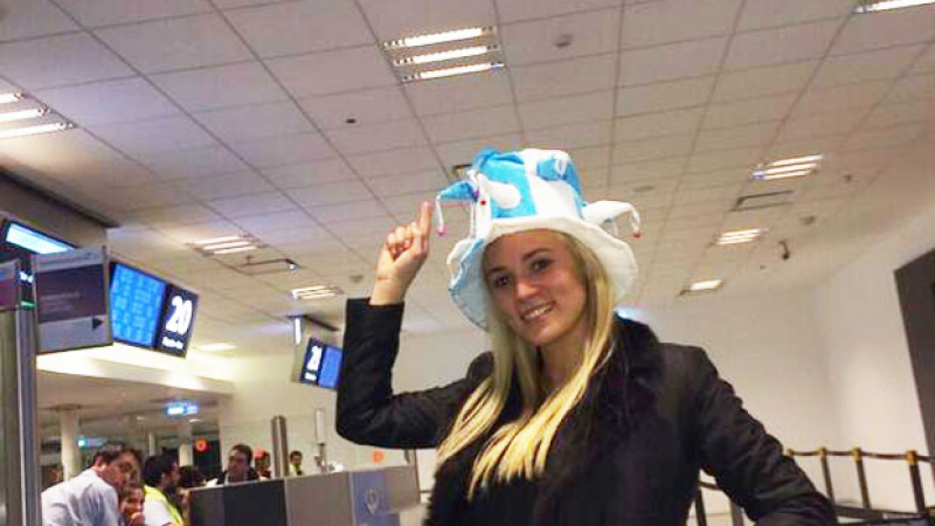 Rocío Oliva viajó a Brasil para comentar el Mundial (Fotos: Twitter).