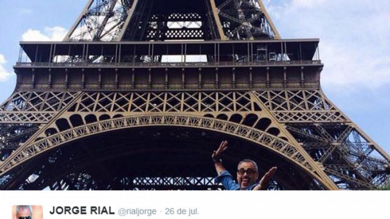 Jorge Rial, postal en París (Foto: Twitter)