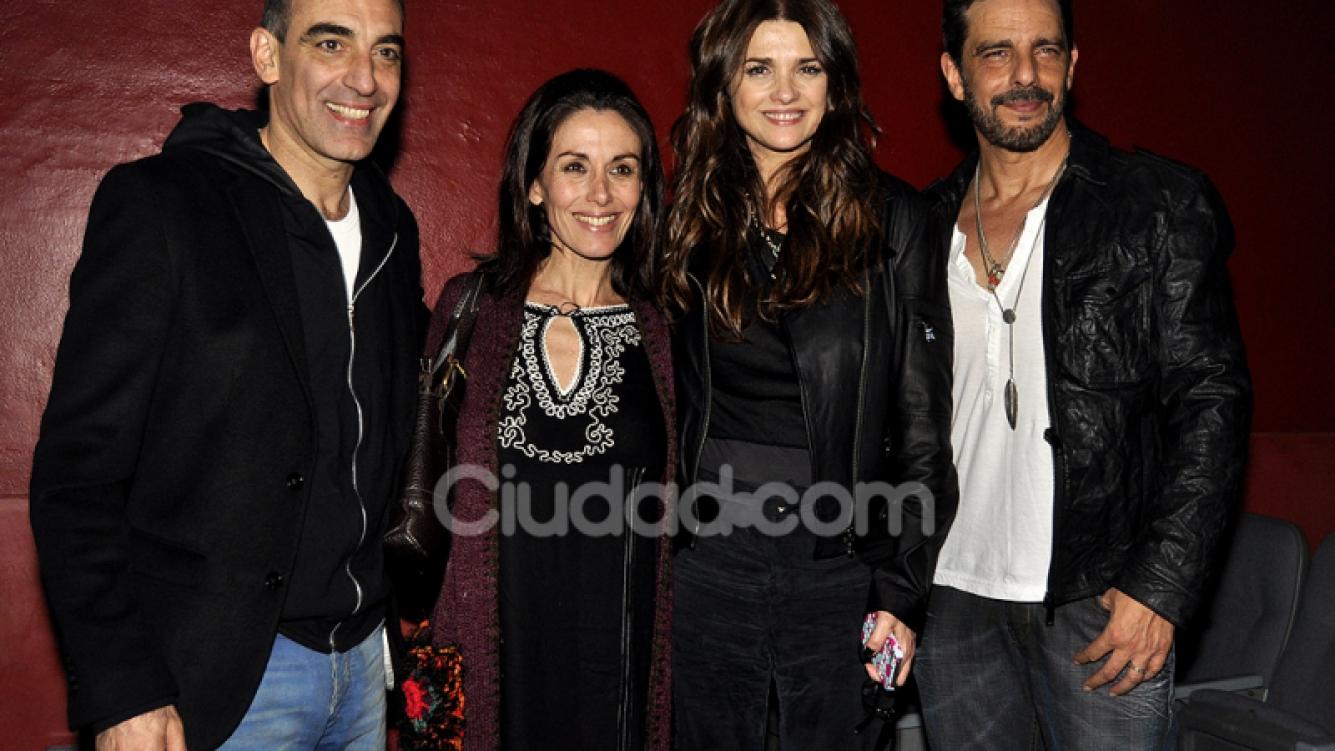 Viviana Saccone, Dayub, Araceli y Mazzei celebran el debut (Fotos: Jennifer Rubio).