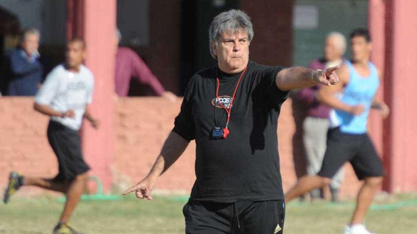 Luis Ventura, el nuevo DT de Claypole. (Foto: Web)