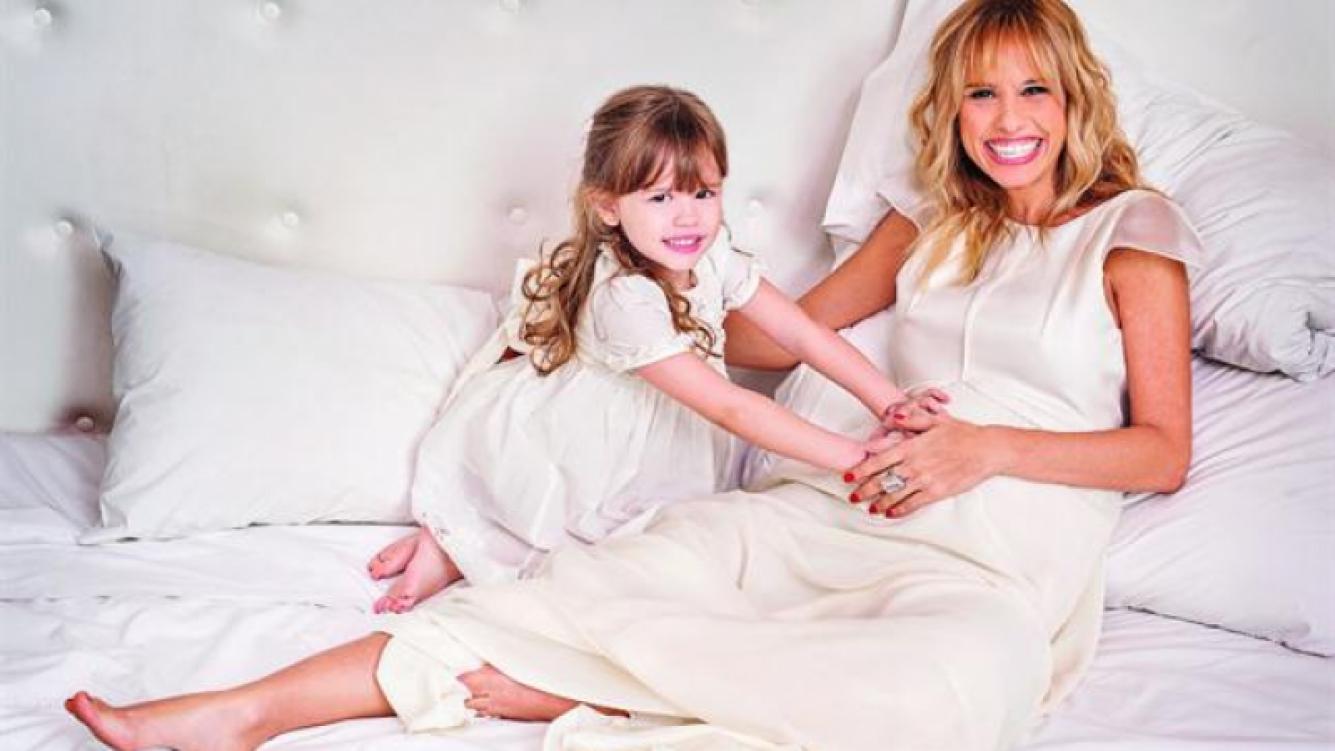 Mariana Fabbiani fue mamá por segunda vez. (Foto: revista Hola! Argentina)