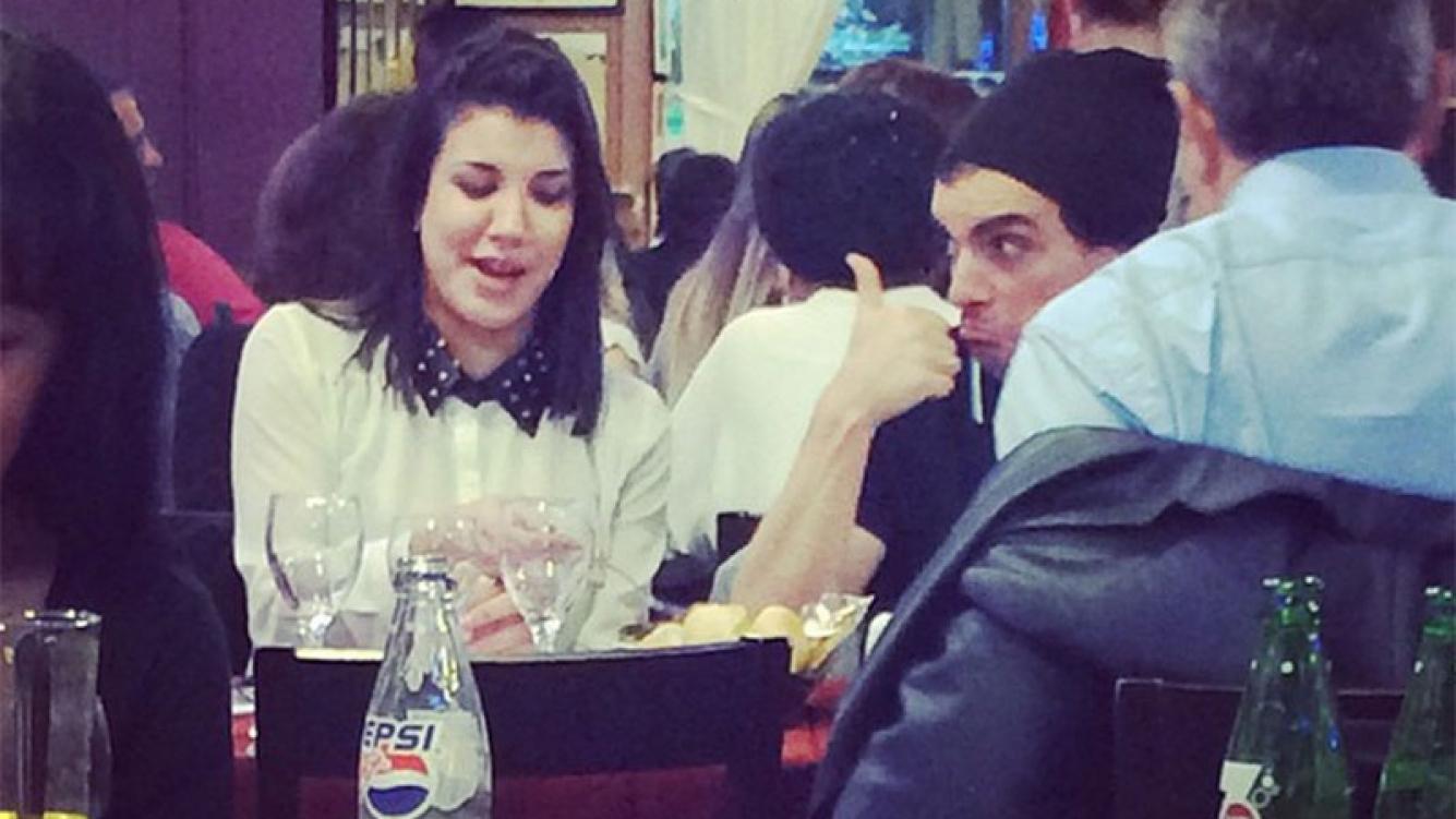 Ale Sergi fue al debut teatral de Andrea Rincón y cenaron juntos (Foto: @TinchoPedra)