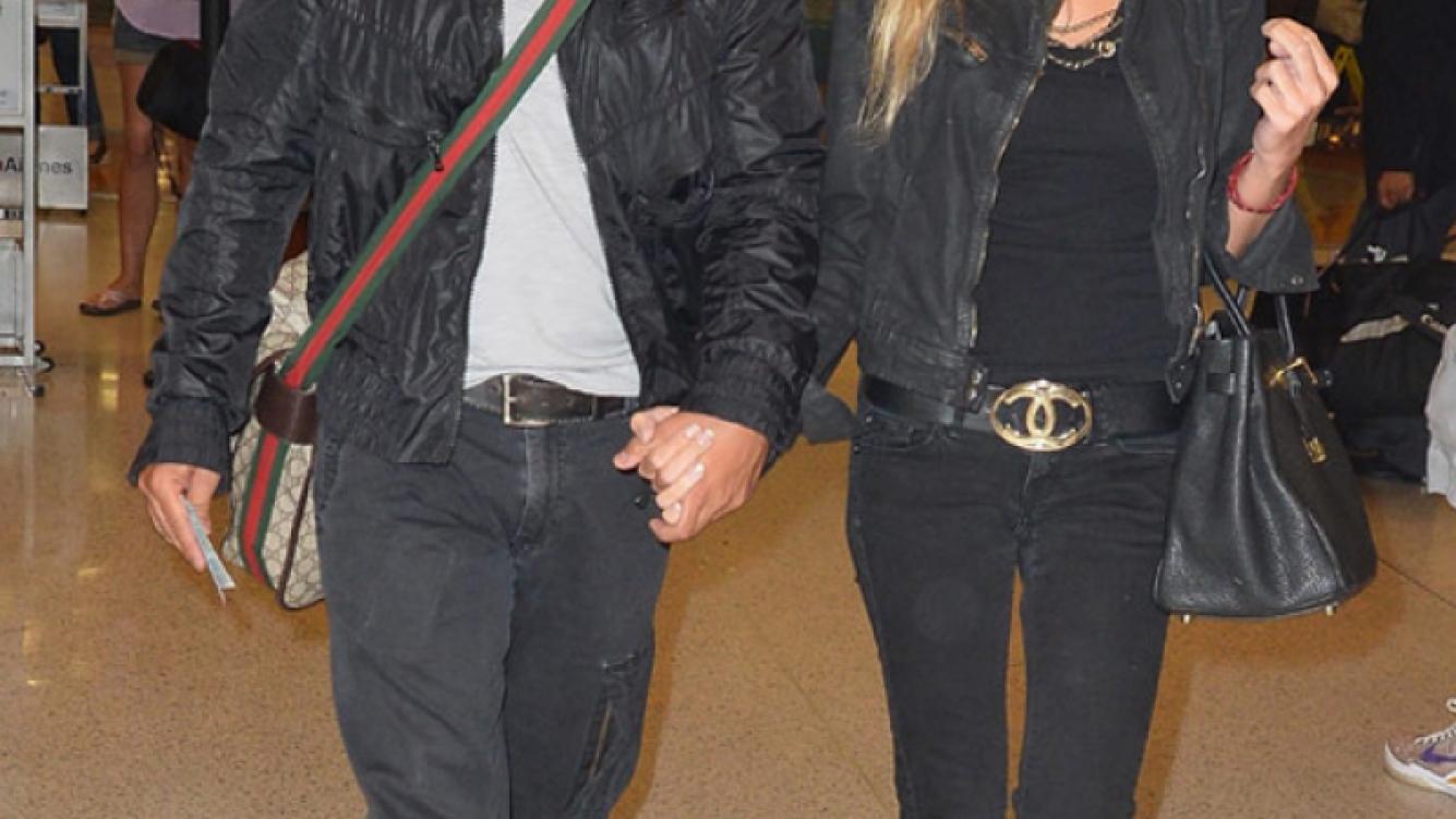 Luis Fonsi y su mujer. (Foto: Web)