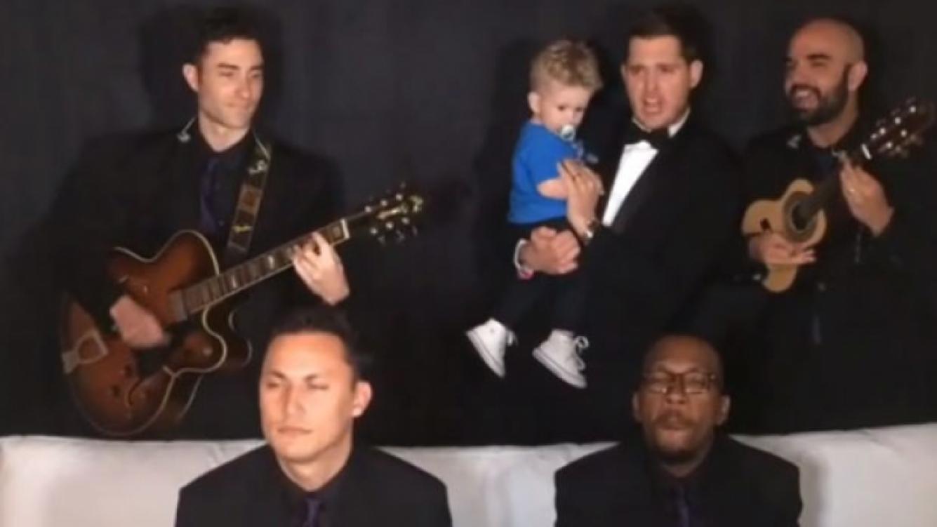 """Michael Bublé y su versión del tema """"Ai Se Eu Te Pego"""" de Michel Teló. (Foto: Instagram)"""