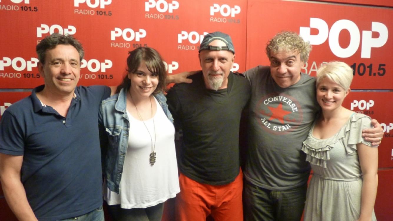El Pelado Cordera, con el equipo de Coco Sily, en Pop Radio.
