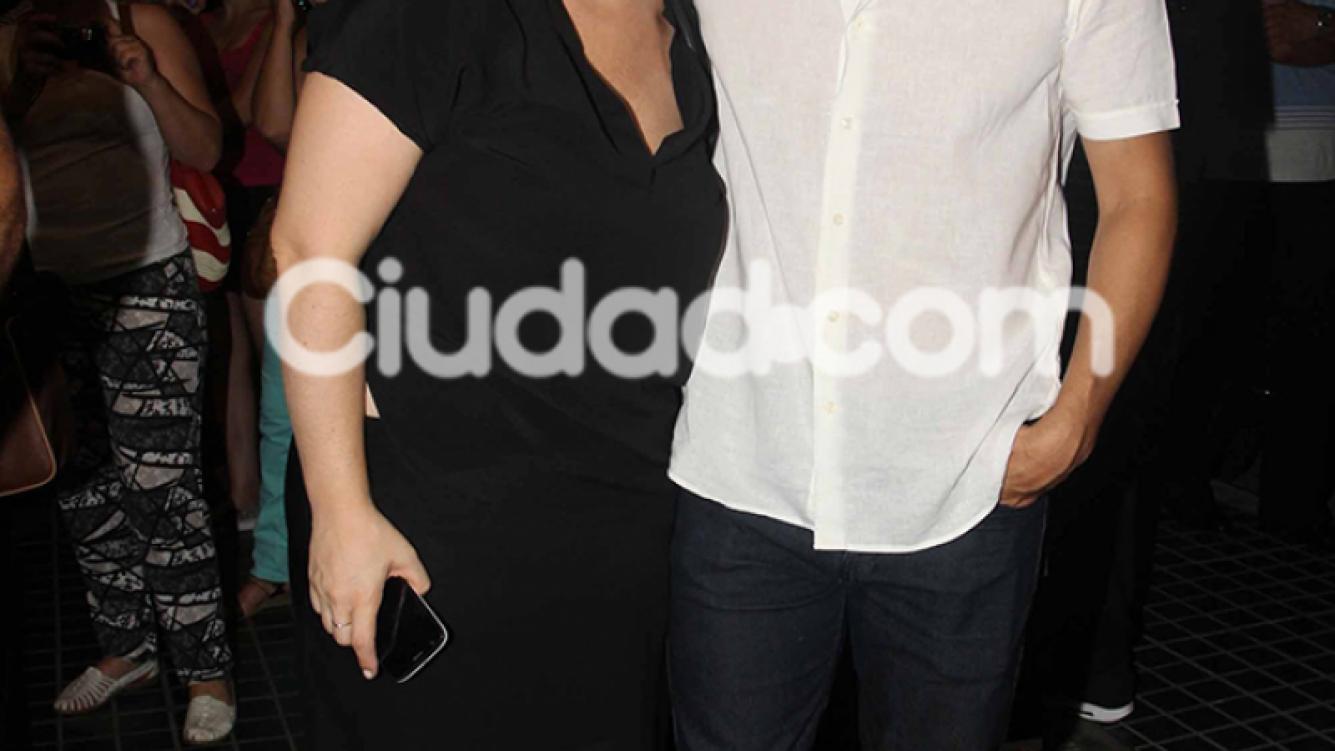 Mey Scápola y Mariano Castro, enamorados en el teatro (Fotos: Movilpress).