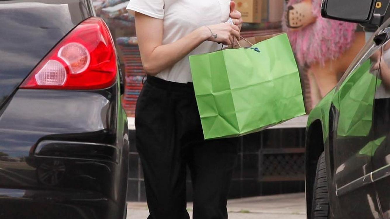 Scarlett Johansson se cortó el pelo súper cortito. (Foto: Grosby Group)
