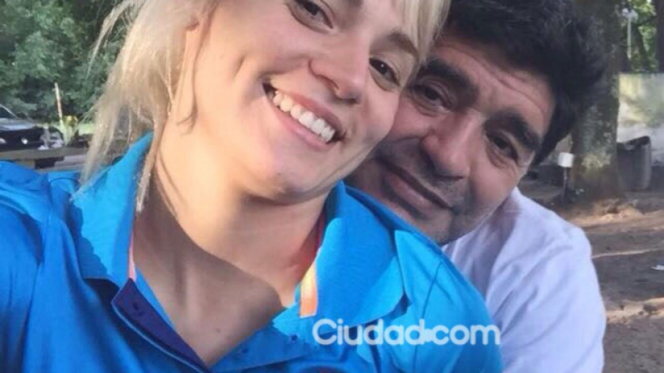 Diego Maradona y Rocío Oliva, enamorados (Foto: Ciudad.com)