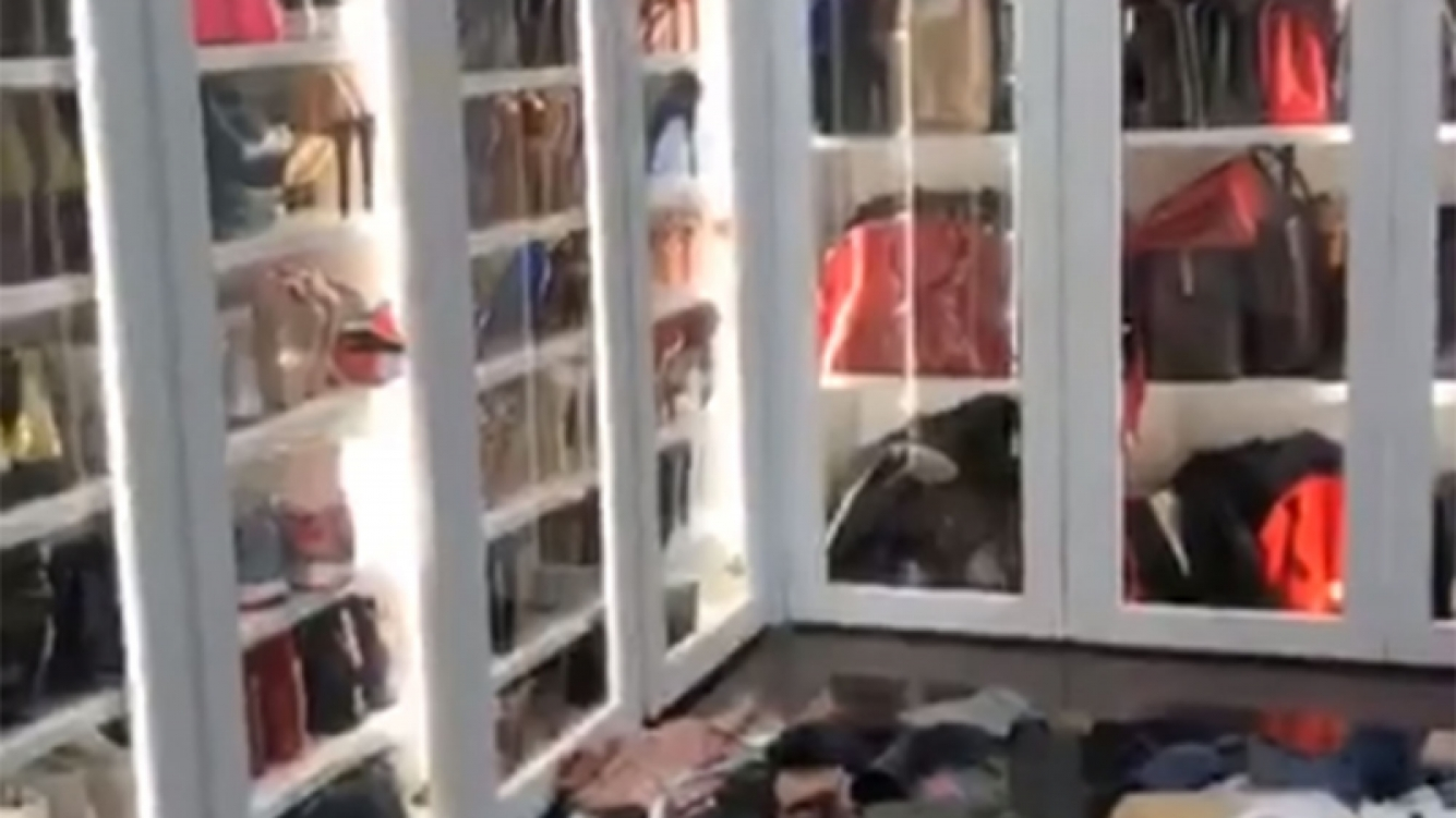 ¡Parece un local! Mirá cómo es por dentro el increíble guardarropa de Wanda Nara