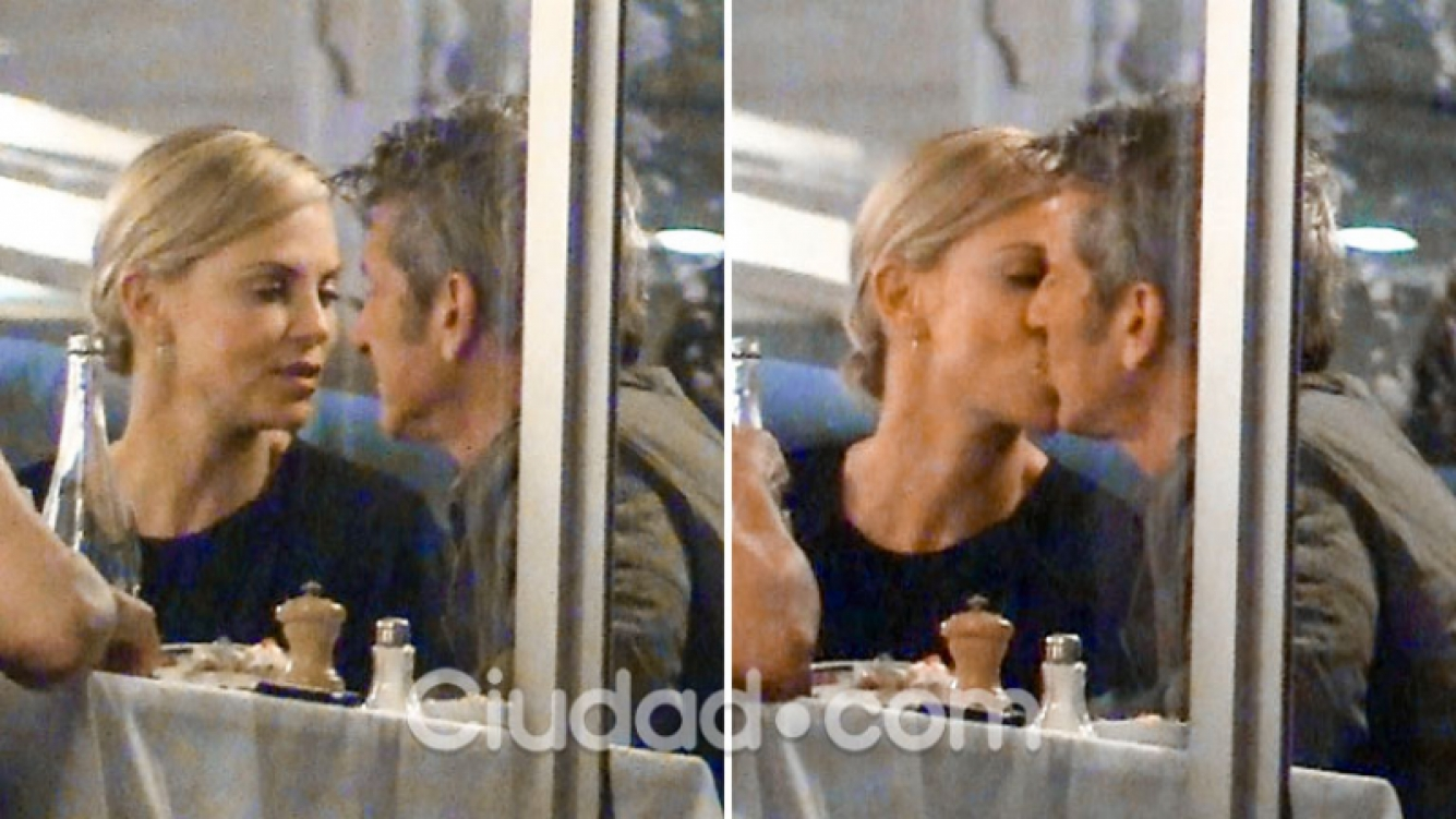 Charlize Theron y Sean Penn, a los besos en Cannes. (Foto: Grosby Group)