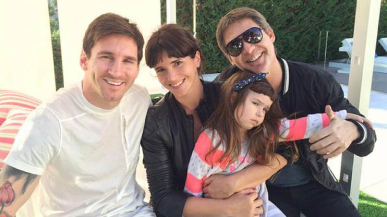 Adrián Suar, Griselda Siciliani y Margarita junto a Lionel Messi (Foto: Twitter).