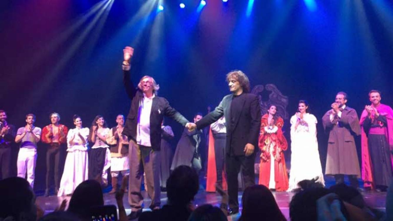 Drácula, un clásico que llegó al teatro Astral.