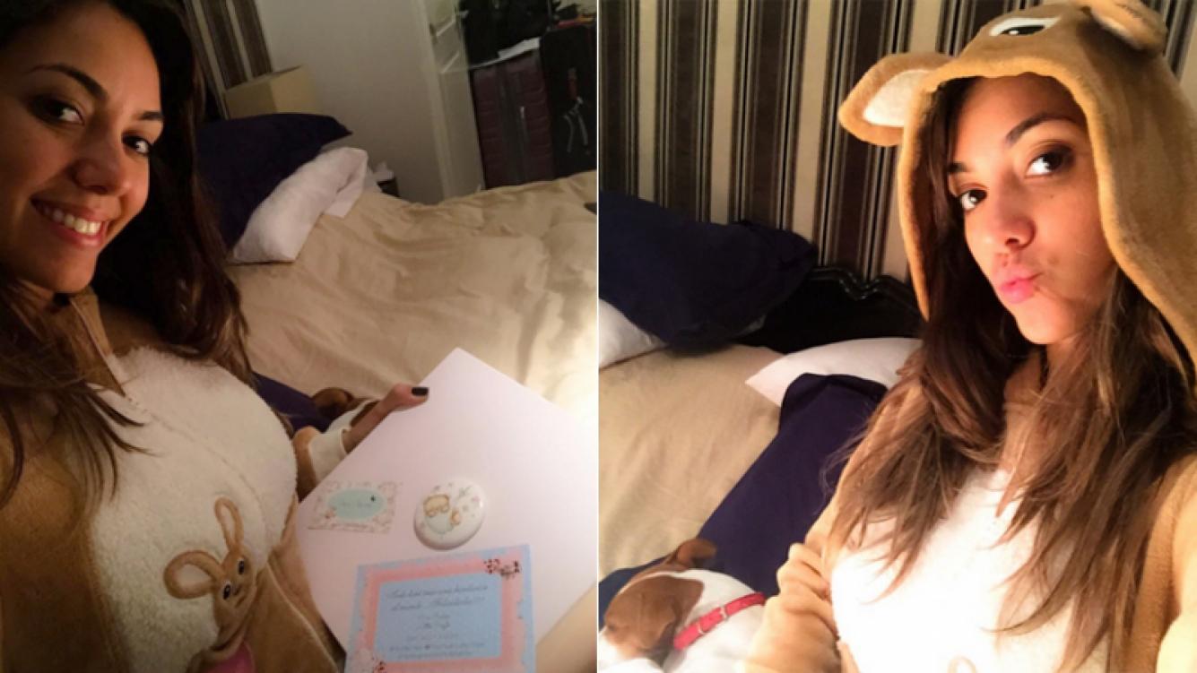Floppy Tesouro y un llamativo pijama de conejito para dormir calentita (Foto: Instagram)