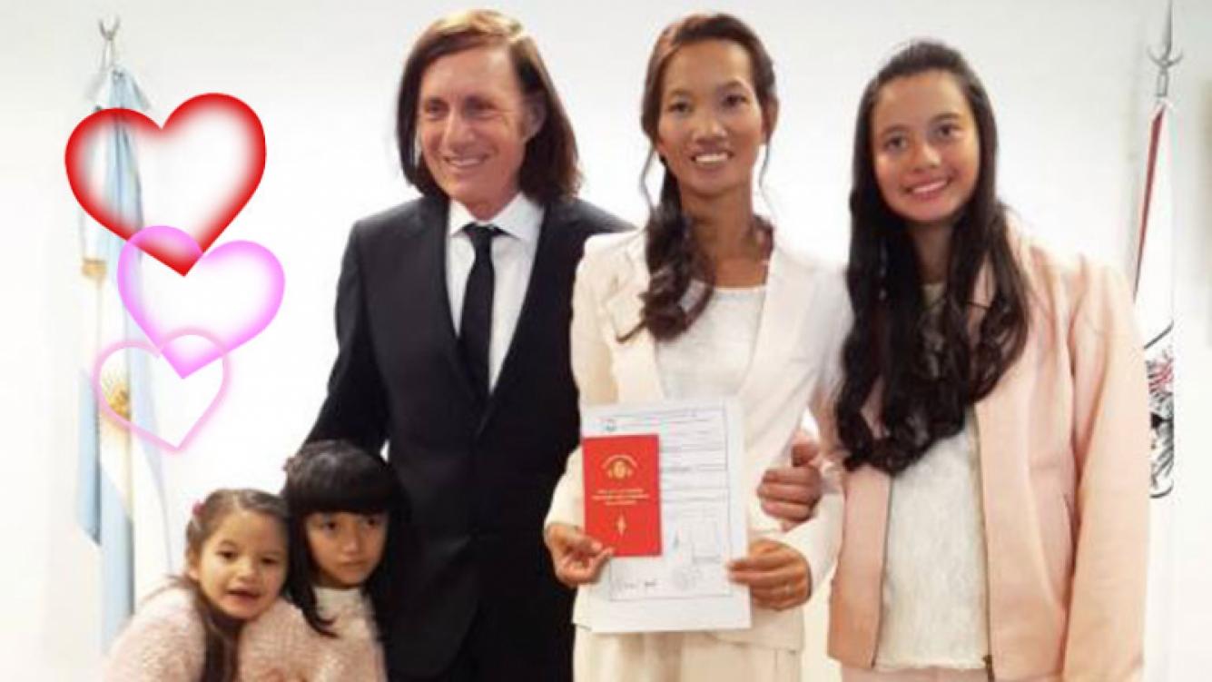 Guillermo Vilas renov³ sus votos matrimoniales junto a sus tres