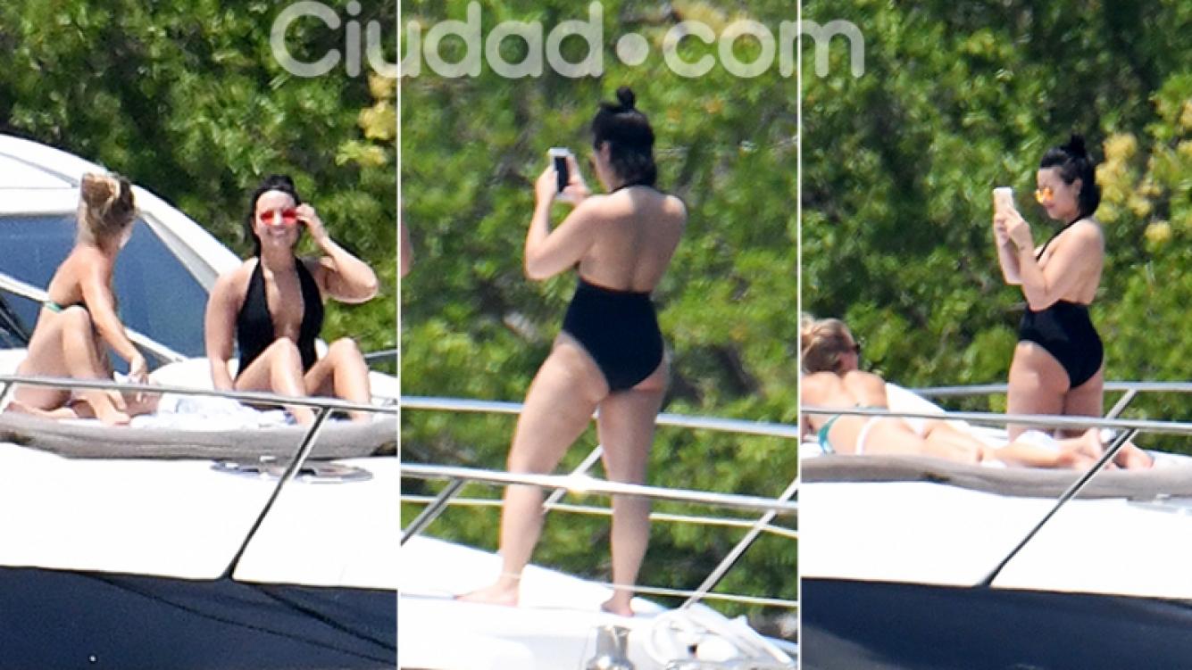 Demi Lovato, en un yate con amigas en Miami. Fotos: Grosby Group