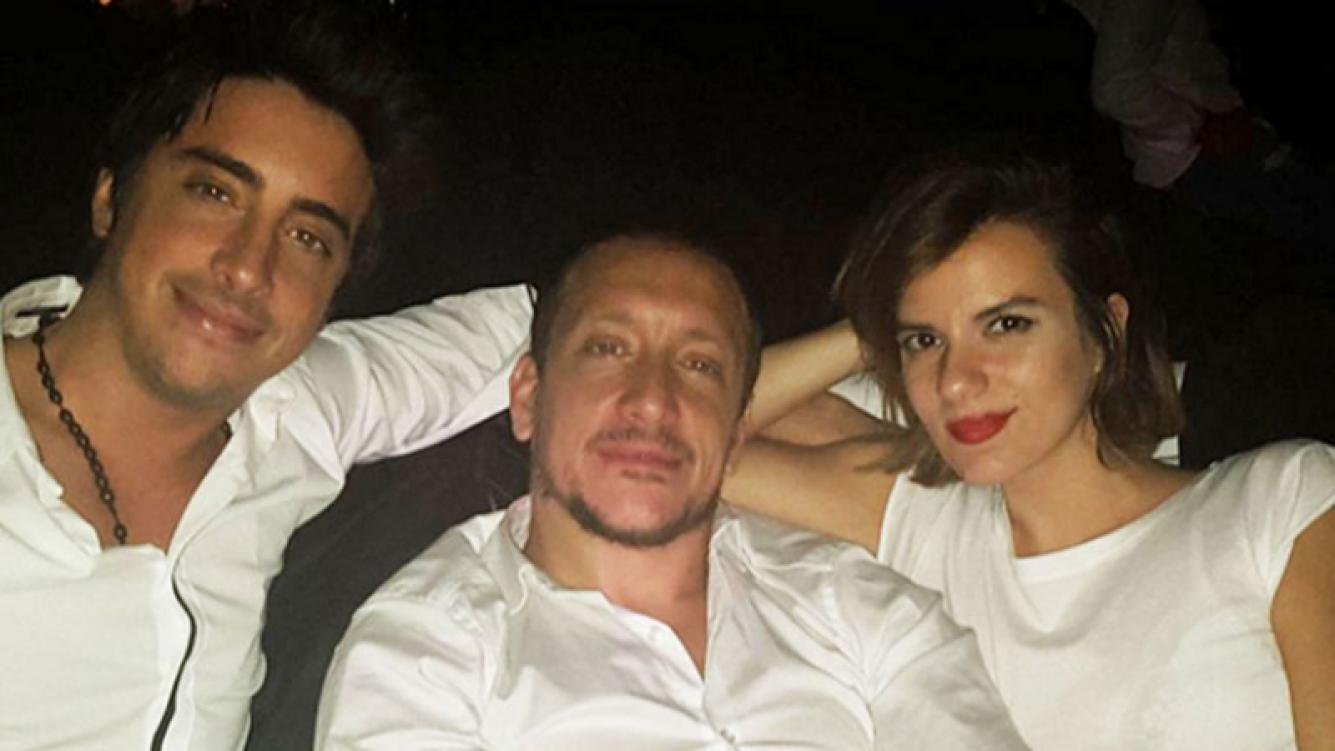 Santiago Vázquez, su hermano Nicolás y su cuñada, Gimena Accardi.