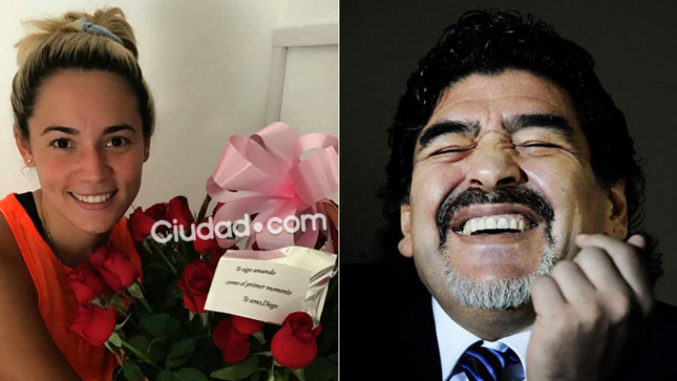 """""""Te sigo amando como el primer momento. Te amo. Diego"""", le dedicó Maradona a Rocío Oliva el ramo de rosas."""