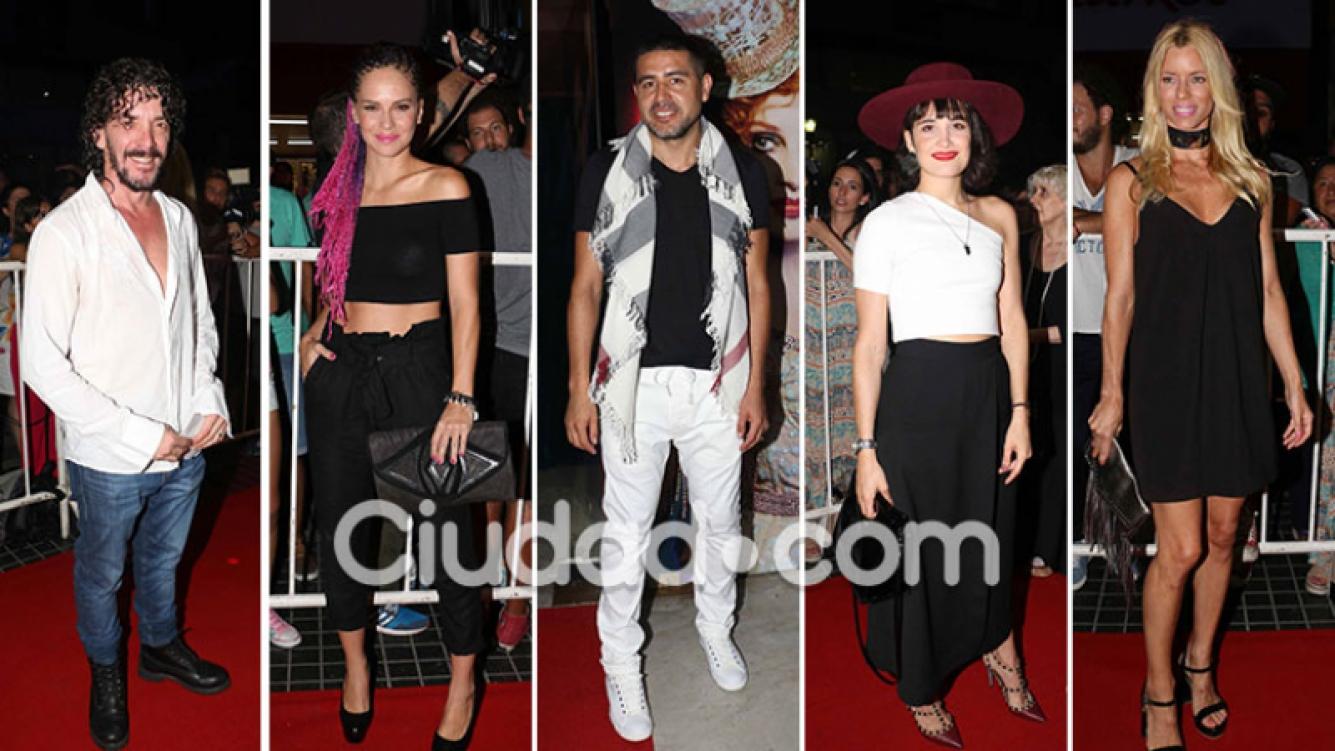 Las figuras presentes en el estreno de Stravaganza, sin reglas para el amor. (Foto: MovilPress - Ciudad.com)
