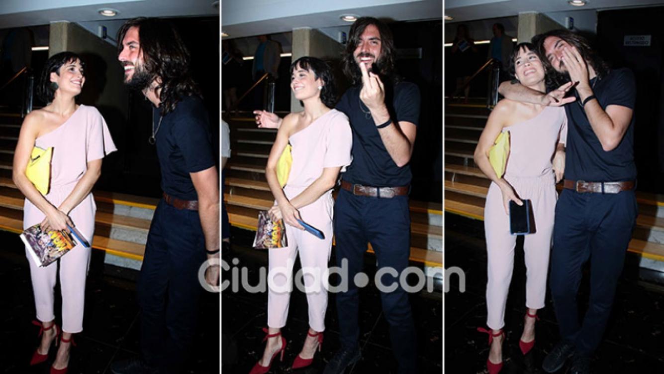¡Presentación oficial! Flor Torrente, mimos con su nuevo novio músico en el estreno de La momia… y gestito pícaro para la cámara. (Foto: Movilpress)