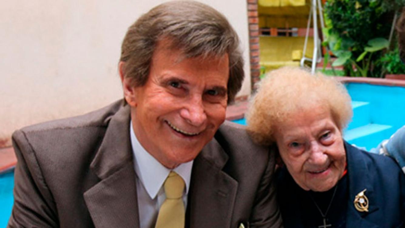 Silvio Soldán sigue acompañando a su madre en el Sanatorio Güemes, donde lucha por su vida.