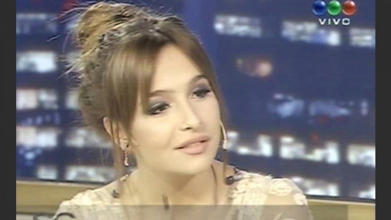 阿斯尼卡在希门尼斯的节目中自白 (照片来源:网络)。