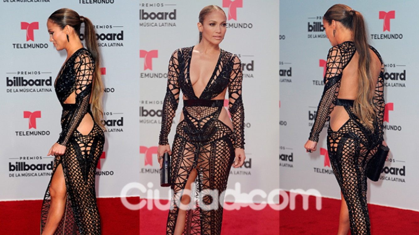 Jennifer Lopez, diosa total en la red carpet  (Fotos: AFP).