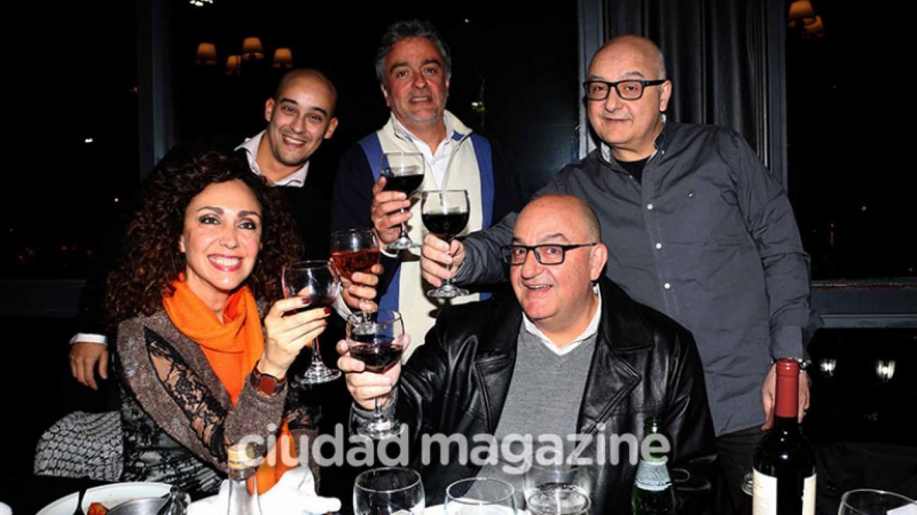 Las fotos del primer encuentro de la familia Olmedo. Foto: Movilpress - Ciudad