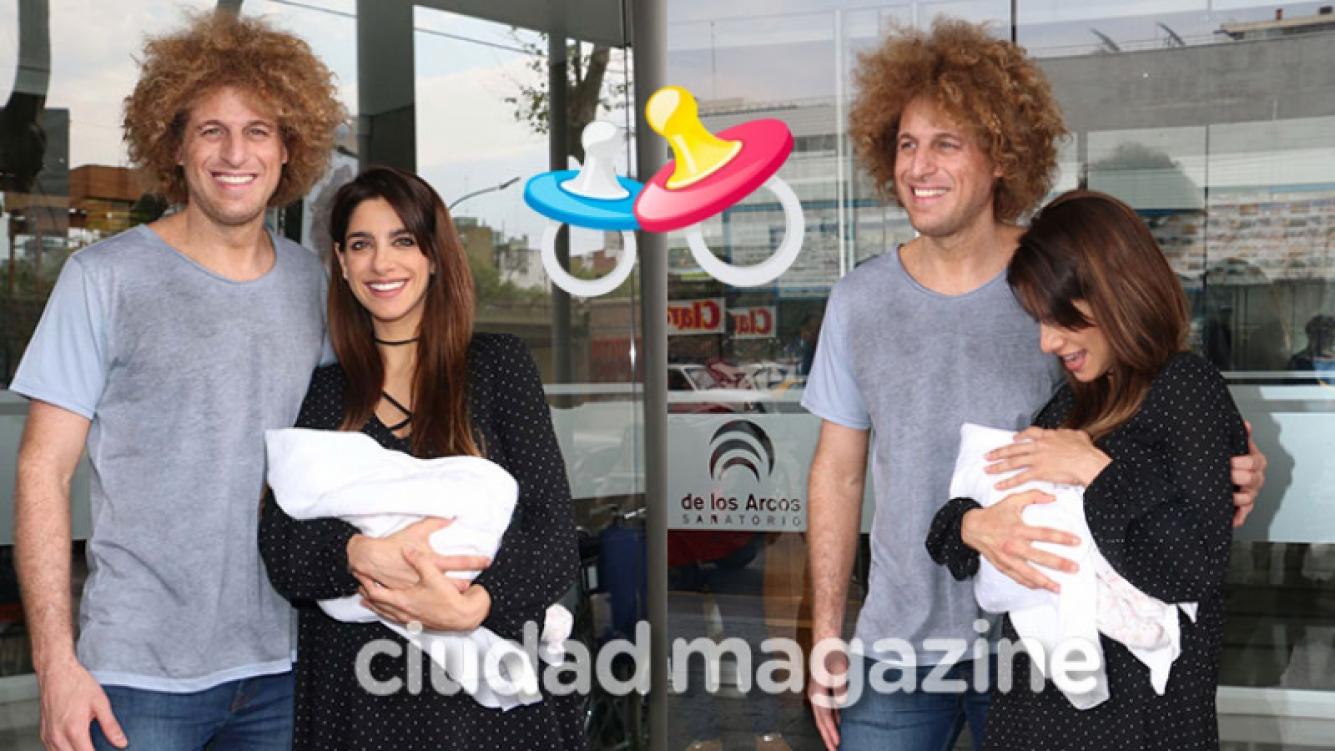 """Gabriela Sari y Darian """"Rulo"""" Schijman presentaron a su beba (Fotos: Movilpres)."""