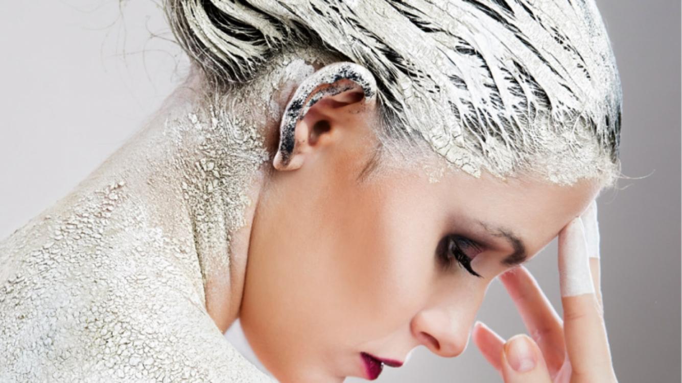 Conocé cuáles son los beneficios de la arcilla para tu pelo.