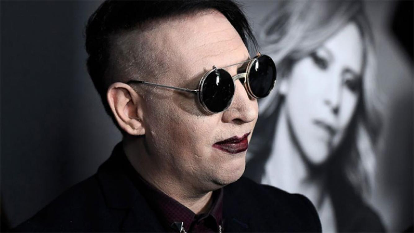 Marilyn Manson despidió a su bajista por acusaciones de violación