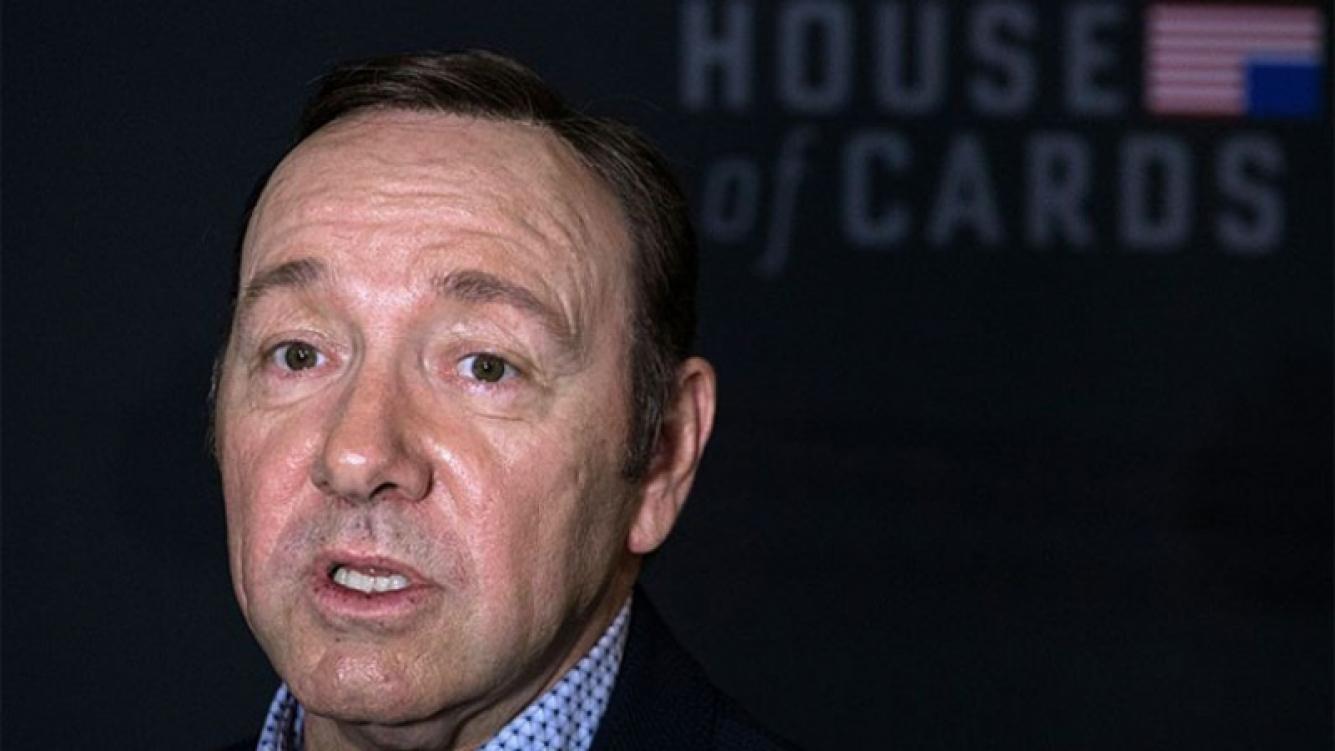 Grave ola de denuncias de productores de House of Cards contra Kevin Spacey