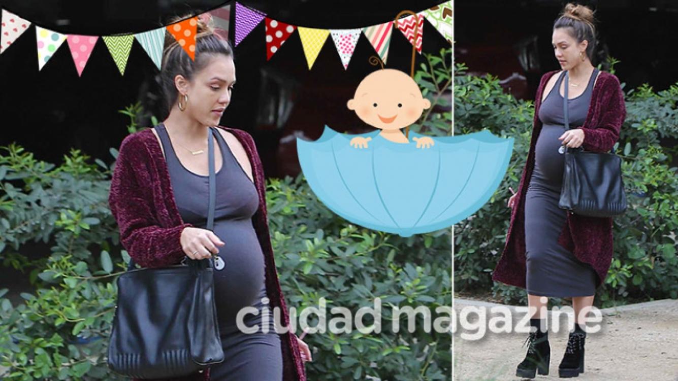 ¡A poco de dar a luz! Jessica Alba lució su enorme panza de embarazada en las calles de Beverly Hills. (Foto: Grosby Group)