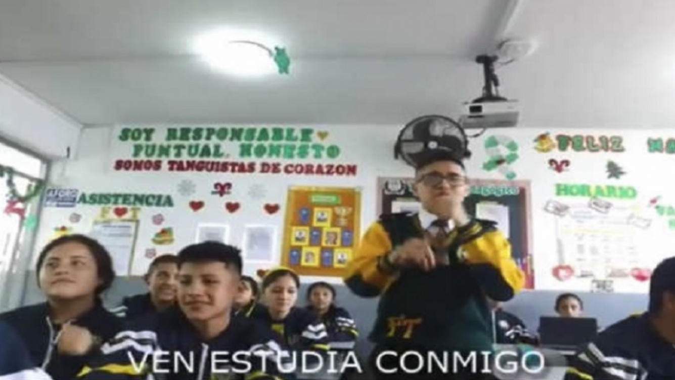 Colegio versiona un reggaetón para atraer a nuevos alumnos