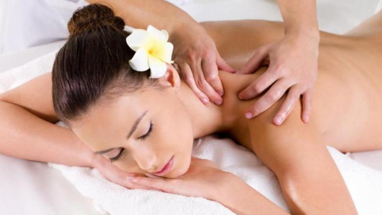 Los masajes también ayudan al cuidado de tu piel