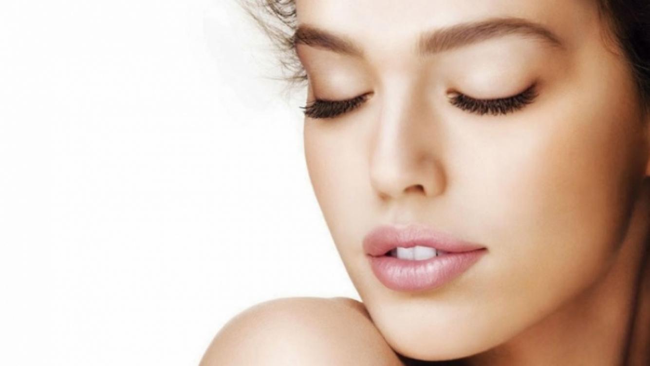 La limpieza e hidratación son fundamentales para mantener la buena salud del rostro